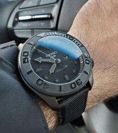 Seiko Skx007 Mod, Seiko Mod, Casual Watches, Cool Watches, Watches For Men, Seiko Automatic Watches, Seiko Watches, Seiko Mechanical Watch, Seiko 5 Sports