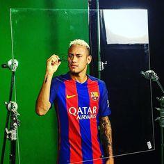 Barça has 40 million followers on Instagram. What about our players? Find out at fcbarcelona.com Vols saber quins són els jugadors del Barça més seguits a Instagram? Descobreix-ho a fcbarcelona.cat ¿Quieres saber el Top-5 de los jugadores del Barça más seguidos en Instagram?  Descúbrelo en fcbarcelona.es #igersFCB #FCBarcelona