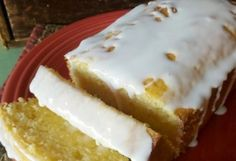 MY FAVE: Starbucks Iced Lemon Pound cake copycat recipe. (pinning because I love Starbucks lemon pound cake more than any kind of chocolate & if this tastes like it, I am all over that and will run extra! Food Cakes, Cupcake Cakes, Candy Cakes, Yummy Treats, Sweet Treats, Yummy Food, Starbucks Lemon Pound Cake, Just Desserts, Dessert Recipes