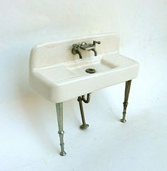 Awesome sink, real or mini.