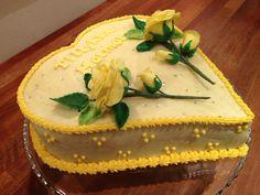Gule roser på hjertekage - Yellow roses and heart