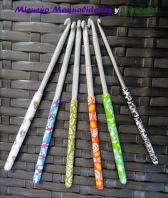 Agujas de ganchillo decoradas con Fimo. www.misuenyo.com / www.misuenyo.es