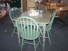 painted kitchen tables and chairs ideas | Cute vintage painted table with 4 chairs