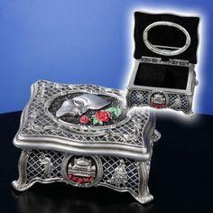 I WANT THIS!!!!! Phantom of the Opera music box plays Music of the Night. Oh honey...........