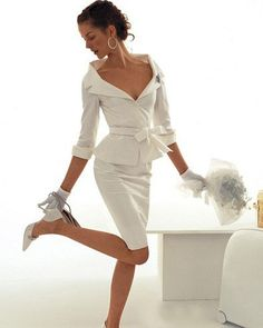 The mature bride and also the modern wedding gown - weddings - Dress Skirt Outfits Tumblr, Pencil Skirt Outfits, Mode Outfits, Pencil Dress, White Fashion, Love Fashion, Womens Fashion, Modest Fashion, Korean Fashion