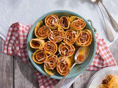Maispalatschinken mit feurigem Faschierten Ratatouille, Spaghetti, Tacos, Mexican, Ethnic Recipes, Tv, Food, Good Food, Meat