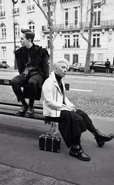 GD x Taeyang in Paris 2014 Line Deco 壁紙 HQ DL♪|Oh Ma Baby