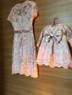 Tal mae tal filha festa rosê rosa bebe renda laço menina vestido de bebe 1ano decoracao Mother Daughter Outfits, Mother Daughters, Girly Outfits, Kids Outfits, Blush Flower Girl Dresses, Short Frocks, Designer Kids Clothes, Birthday Dresses, Mom And Baby
