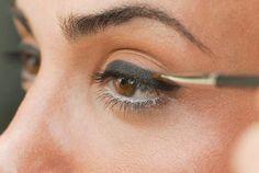 Tips for Having Smudge Proof Eyeliner   allure.com