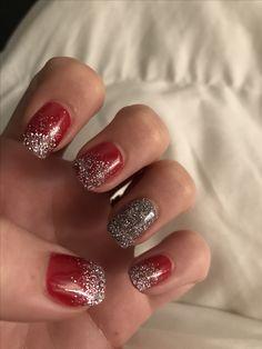 SNS Christmas nails