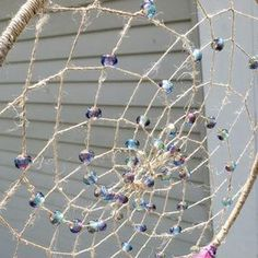 How to Make a Dreamcatcher with Beads Making Dream Catchers, Dream Catcher Decor, Dream Catcher Boho, Dream Catcher Mobile, Old Wine Bottles, Recycled Wine Bottles, Wine Bottle Crafts, Carillons Diy, Diy Dream Catcher Tutorial