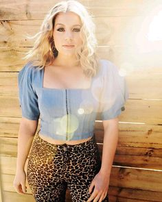 Lauren Alaina (@laurenalaina) • Instagram photos and videos Lauren Alaina, The Nines, American Idol, Baby Bottles, Pretty Woman, Boho Shorts, Short Dresses, Photo And Video, Lady