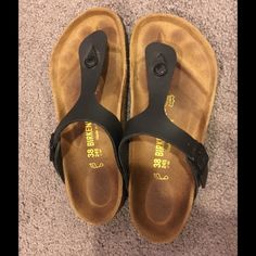 Women's Gizeh Birkenstock size 38 Only worn once, great condition. Black color size 38. Birkenstock Shoes Sandals