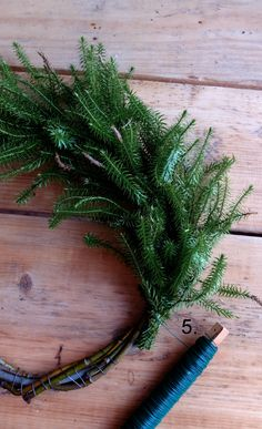 DIY Christmas wreath - No Home Without You blog (6 of 12)