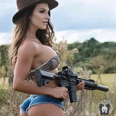 ::: sexy girls hot babes with guns beautiful women weapons Photo via Military Women, Big Guns, N Girls, Poses, Country Girls, Beautiful Women, Firearms, Weapons, Shooting Gear
