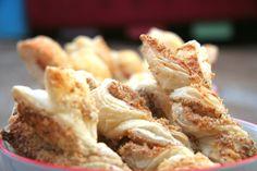 rágcsa leveles tésztából Falusi libák Cereal, French Toast, Cooking, Breakfast, Food, Kitchen, Morning Coffee, Essen, Meals
