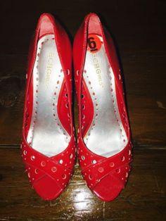 BCBG Red Patent Leather High Kitten Heels Designer PUMPS Size 6B/ 36
