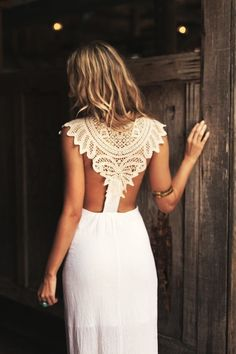 Baby's Got Back! The Backless Wedding Dress….