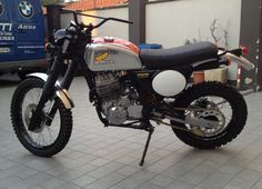 Vintage Scrambler Custom Motorcycles, Cars And Motorcycles, Dominator Scrambler, Enduro Vintage, Cafe Racer Motorcycle, Mopeds, Dirt Bikes, Cafe Racers, Scorpio