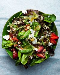 Baby Leaves with Feta, Strawberries and Almonds  --  can i get a yum YUM?!