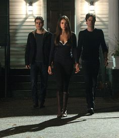 Picture: Paul Wesley, Nina Dobrev and Ian Somerhalder in 'The Vampire Diaries.' Pic is in a photo gallery for Paul Wesley featuring 143 pictures. Vampire Diaries Stefan, Serie The Vampire Diaries, Vampire Diaries Poster, Vampire Diaries Wallpaper, Vampire Diaries Quotes, Vampire Diaries The Originals, Nina Dobrev Vampire Diaries, Damon Y Stefan, Stefan E Elena