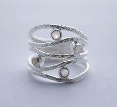 Fijne gematteerde 925 zilveren ring met ronde edelstenen. GRATIS VERZENDING.