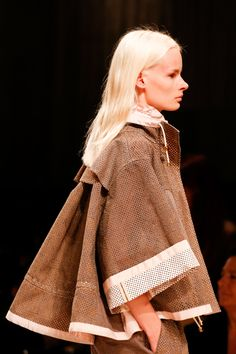 Sacai Spring 2014 RTW - Details - Fashion Week - Runway, Fashion Shows and Collections - Vogue
