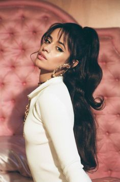 wispy bangs, fringe bangs, curtain bangs camila cabello We're taking hairstyle cues from celebs that always have the best bangs. Here are some of our favorite celebrities who embrace their wispy bangs enough to convince you to get your own. Wispy Bangs, Fringe Bangs, Havana, Fangirl, Cabello Hair, Camila And Lauren, How To Style Bangs, Fifth Harmony, Famous Women