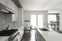 Maagdelijk witte keukens Roomed | roomed.nl