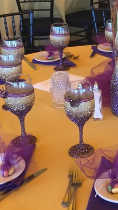 Glittered wine glass by Heavenlyheathers on Etsy