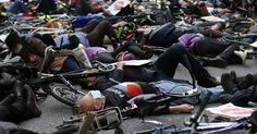 20160427 - Manifestantes protestam em frente ao Departamento de Transportes de Londres em alerta contra a poluição do ar na capital inglesa. Para os manifestantes, o aumento na concentração de poluentes no ar está afetando a saúde das pessoas e ocasionando mortes Imagem: Frank Augstein/AP