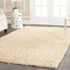 Safavieh Clyde Machine-Made Shag Area Rug, Beige