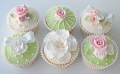 Country garden cupcakes by Icing Bliss, via Flickr