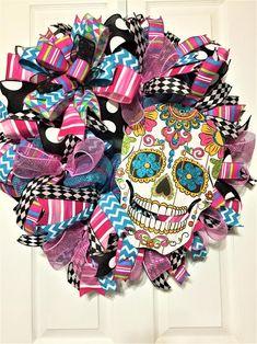 Halloween Door Wreaths, Diy Halloween Decorations, Holiday Wreaths, Halloween Crafts, Halloween Magic, Halloween Season, Wreath Crafts, Diy Wreath, Wreath Ideas