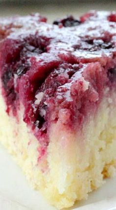 Studded with almonds and oozing with fresh berries, Blackberry Upside-Down Almond Skillet Cake is a delicious summer twist on the popular pineapple dessert! Fruit Recipes, Sweet Recipes, Baking Recipes, Cake Recipes, Pizza Recipes, Just Desserts, Delicious Desserts, Yummy Food, Desert Recipes