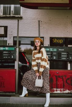I want to choose some trendy leopard print accessories and clothes from Zara USA. They are all available to buy on Zara USA website. Diesel, Spring Street Style, Beret Street Style, Boating Outfit, Shops, Sweaters And Leggings, Fashion Outfits, Womens Fashion, Fashion News