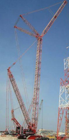 Mammoet expands US crane fleet Lifted Trucks, Big Trucks, Manitowoc Cranes, Lifting Safety, Crawler Crane, Heavy Truck, Heavy Equipment, Construction Machines, Tanks