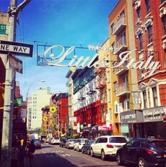 """Little Italy (in French """"Petite Italie"""") is a district in the borough of Manhattan in New York, once known for its large population of Italian immigrants. New York Vacation, New York City Travel, New Travel, Travel Usa, Restaurant New York, Air France, Bon Plan New York, Upper West Side, New York Noel"""