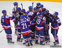 I love Slovak hockey team ♥ Hockey Mom, Hockey Teams, Ice Hockey, Football Players, Football Helmets, Big Country, Marathon Runners, Central Europe, Eastern Europe