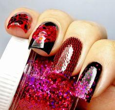 Moulin Rouge nail art
