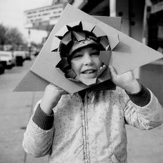 Untitled (undated) by Vivian Maier *full feature Best Street Photographers, Great Photographers, Photography Essentials, City Photography, Vintage Photography, Vivian Maier Street Photographer, Vivian Mayer, Black And White City, Art Corner