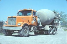 >> TRUCK --- WESTERN STAR DULUTH READY-MIX CEMENT MIXER --- Original Slide T11-5