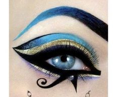 Egyptian goddess eye make up. -Egyptian goddess eye make up. -Egyptian goddess eye make up. Egyptian Eye Makeup, Egypt Makeup, Cleopatra Makeup, Arabic Makeup, Makeup Trends, Makeup Inspo, Makeup Art, Makeup Inspiration, Makeup Tips