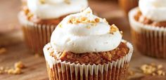 How to make orange-scented cupcakes? This Dominican Bizcocho cupcakes recipe teaches you how to make such a dish. Carrot Cupcake Recipe, Mini Carrot Cake, Carrot Spice Cake, Carrot Cake Cheesecake, Carrot Cake Muffins, Carrot Cake Cupcakes, Cupcake Recipes, Dessert Recipes, Carrot Cakes