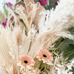 One of my favorite things to do is create floral arrangements. I have a new found obsession with dried flowers. I purchased a few variations du… Balloon Ribbon, One Balloon, Balloon Garland, Mini Balloons, White Balloons, Real Flowers, Dried Flowers, Dried Flower Arrangements, Local Florist