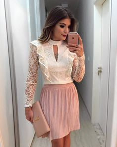 Discover recipes, home ideas, style inspiration and other ideas to try. Modest Fashion, Fashion Outfits, Womens Fashion, Fashion Trends, Blouse Styles, Blouse Designs, Casual Chic, Essentiels Mode, Look Office