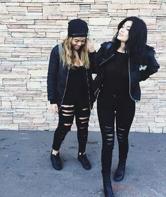 LOVE these ripped black jeans! ... Jordyn Woods & Kylie Jenner