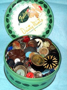 NICE VINTAGE TIN FULL OF VINTAGE BUTTONS/ COLLECT/ USE FOR CRAFTS/ ALTERED ART ! Collector Note: Mixed materials in airless environment is a recipe for ruin. Take buttons Out of tins, covered glass, and especially plastic bags! See storage suggestions below.