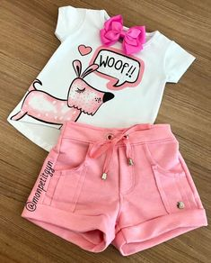 That cute little set to start our week well! V … – Baby Cute Baby Girl Outfits, Kids Outfits Girls, Little Girl Dresses, Cute Outfits, Toddler Fashion, Kids Fashion, African Dresses For Kids, Baby Kids Clothes, Colourful Outfits