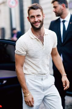 Simon Porte Jacquemus epitomises the sexy, slouchy chic that has become the signature of French fashion right now. A mix of proportion play and subtle sex appeal, his style is dominated by relaxed tro Gq Style, Gq Mens Style, Gentleman Mode, Gentleman Style, Mode Masculine, Gq Fashion, Fashion Trends, Fashion Styles, Street Fashion